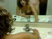 Imagen Se coje a su novia en el baño frente al espejo