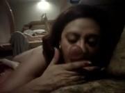Imagen Esposa infiel mamando rico en un hotel
