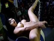 Imagen Luna Bella en Expo SexMex, masturbandose hasta venirse!