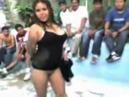 Imagen Putita y borrachas bailan desnudas en el bar del pueblo