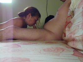 Imagen Mi suegra se entretiene mamando verga