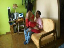 Imagen La pasa rico y coge con su amiga puta (video 01 de 02)