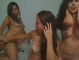 Imagen Tres amigas muy putas desnudas por cam