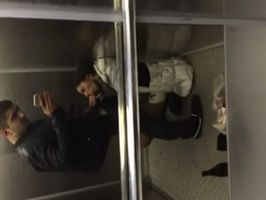 Imagen Mamada y sacada de leche en ascensor