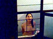 Imagen Su hermana lo pilla mientras el la espiaba en la ducha