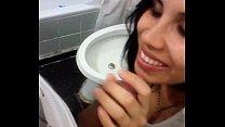 Imagen Angelica guapisima morra comiendo verga en el baño