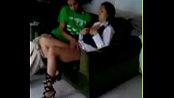 Imagen Cogiendo a mi vecina infiel en el sofa con la ropa puesta
